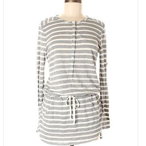TWO by Vince Camuto long sleeve tunic top